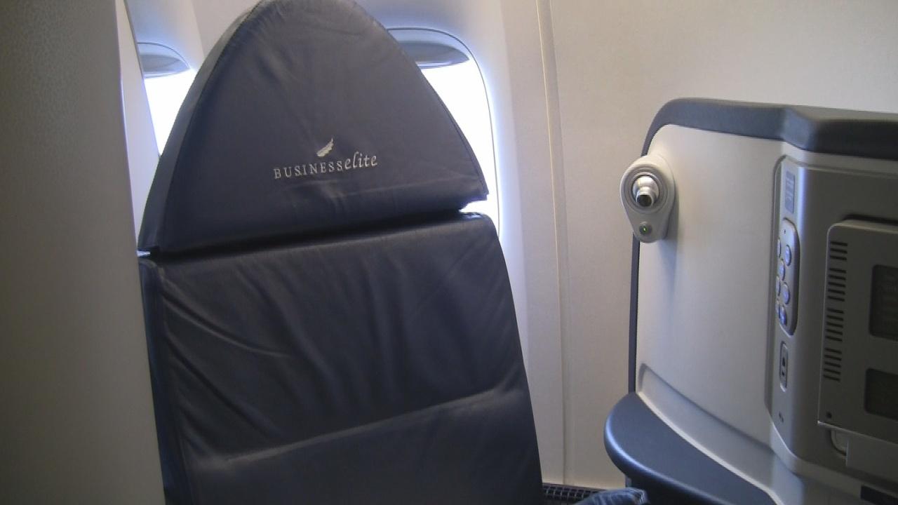 Delta 777-200LR - Seat 14A