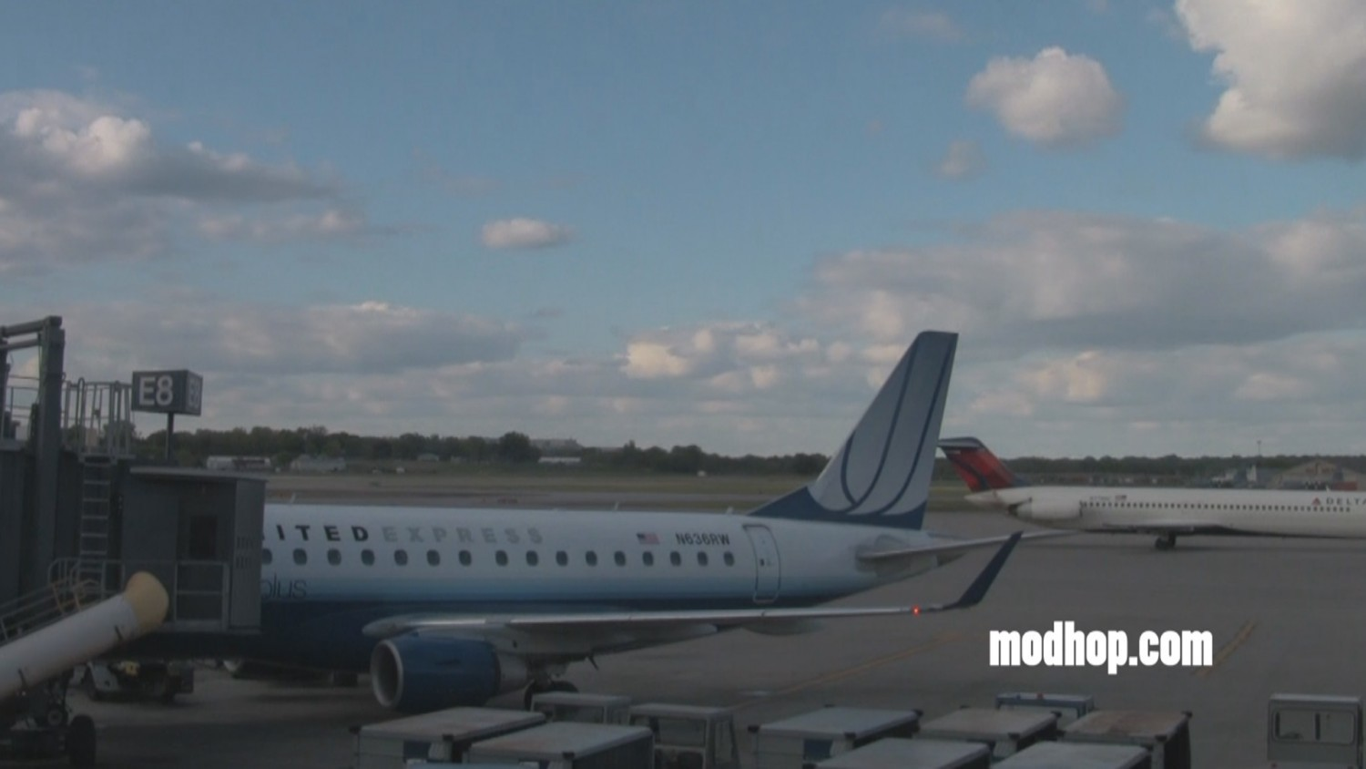 United Express flight boarding at MSP