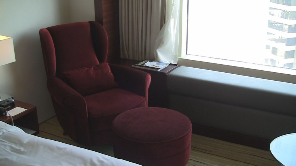 Lounger in twin room at Hyatt Regency Tsim Sha Tsui