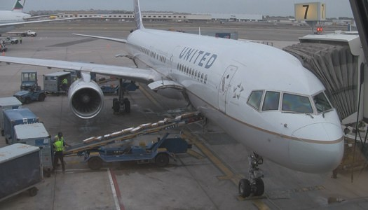 Video   United Airlines 757-200 Business First (flat) Seat 4B