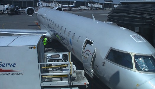 Video | American CRJ-700 First Class Seat 1A