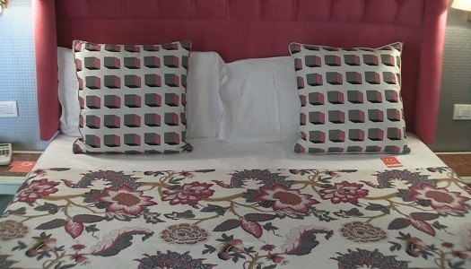 Video   Hotel Room Mate Luca Florence – Deluxe Room