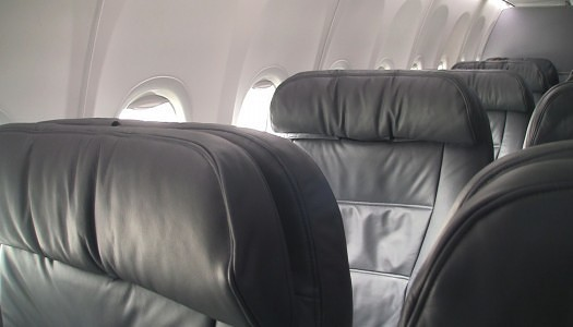 Gallery | United First Class 737-900 Seat 1E