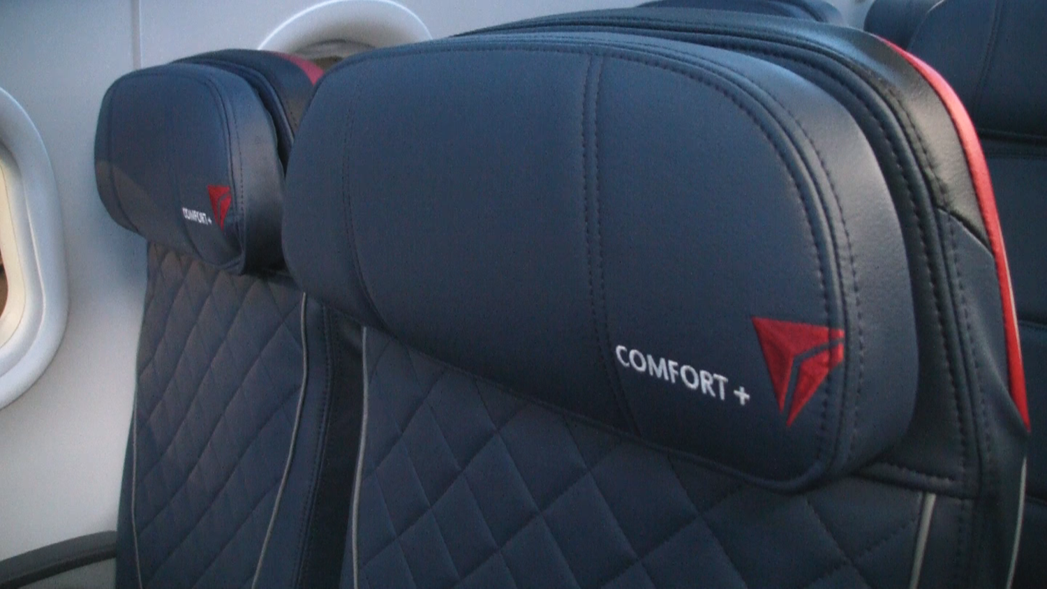 Find The Quot Quot In These A319 Delta Comfort Seats Video