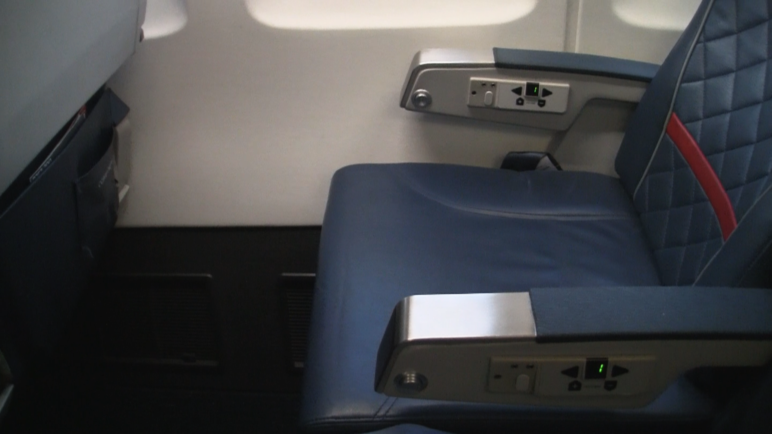 Legs get inches, hips get zip in this version of Delta 757 seating in Comfort+