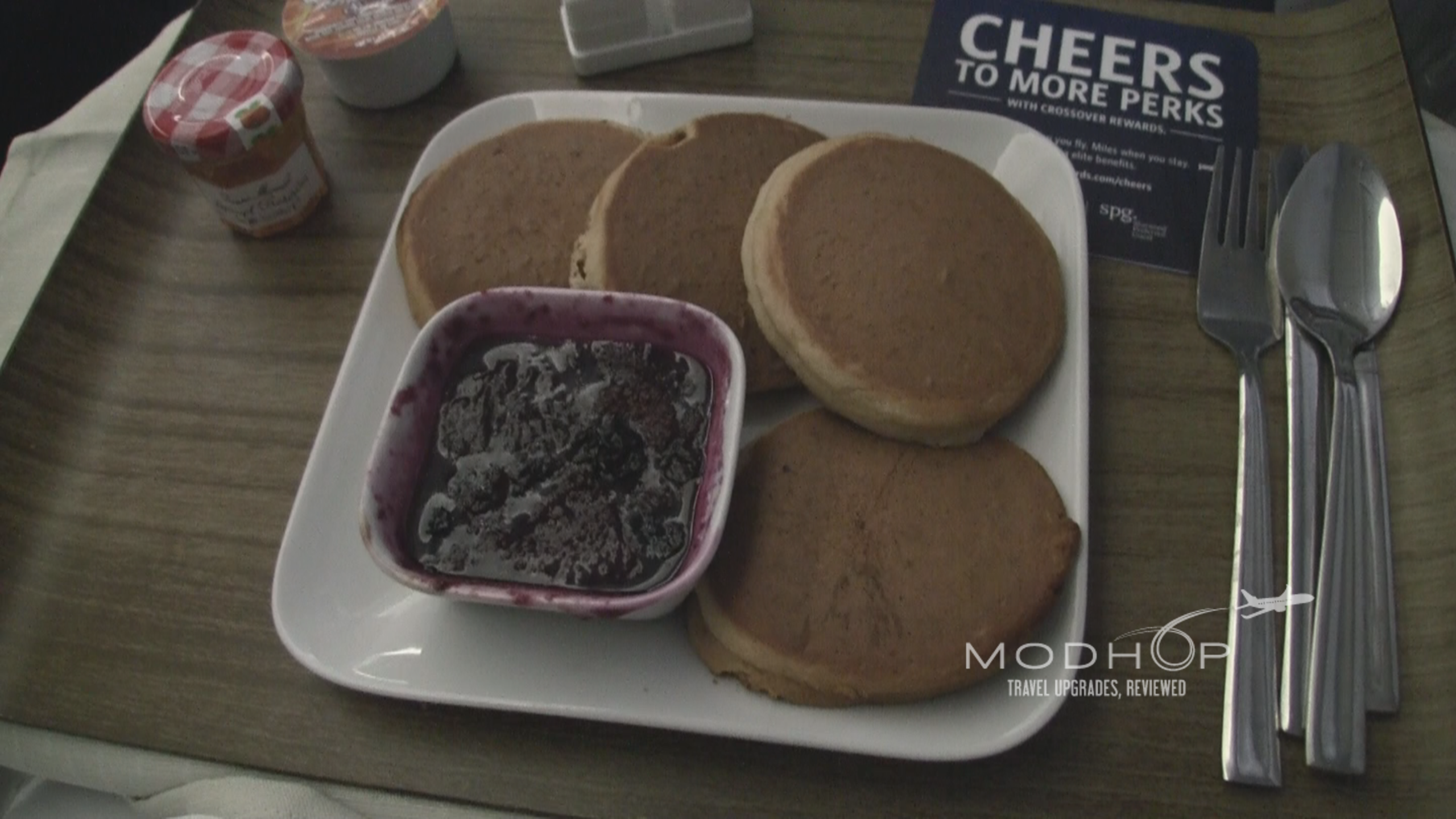 Mini-pancake delivered right to your Delta One Seats