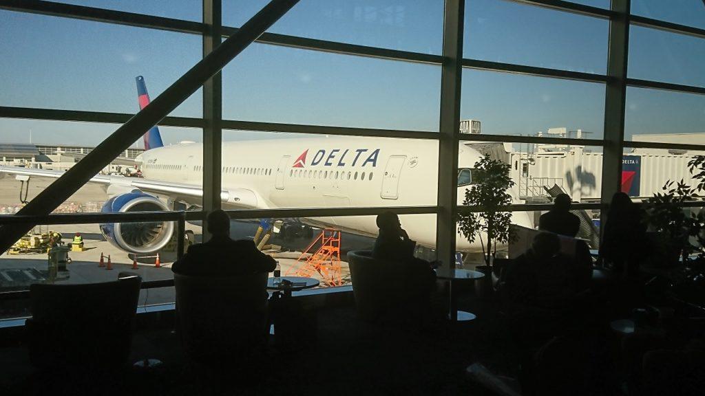 Delta A350 at DTW
