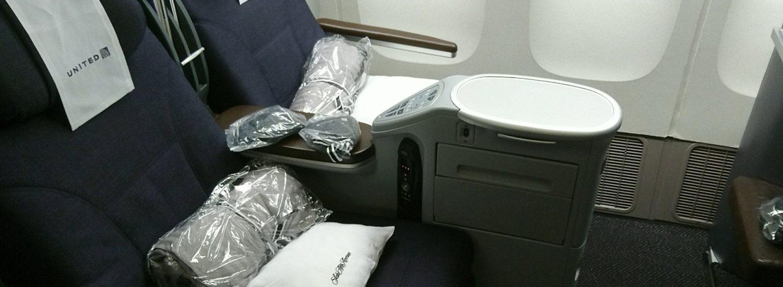 United 777-200