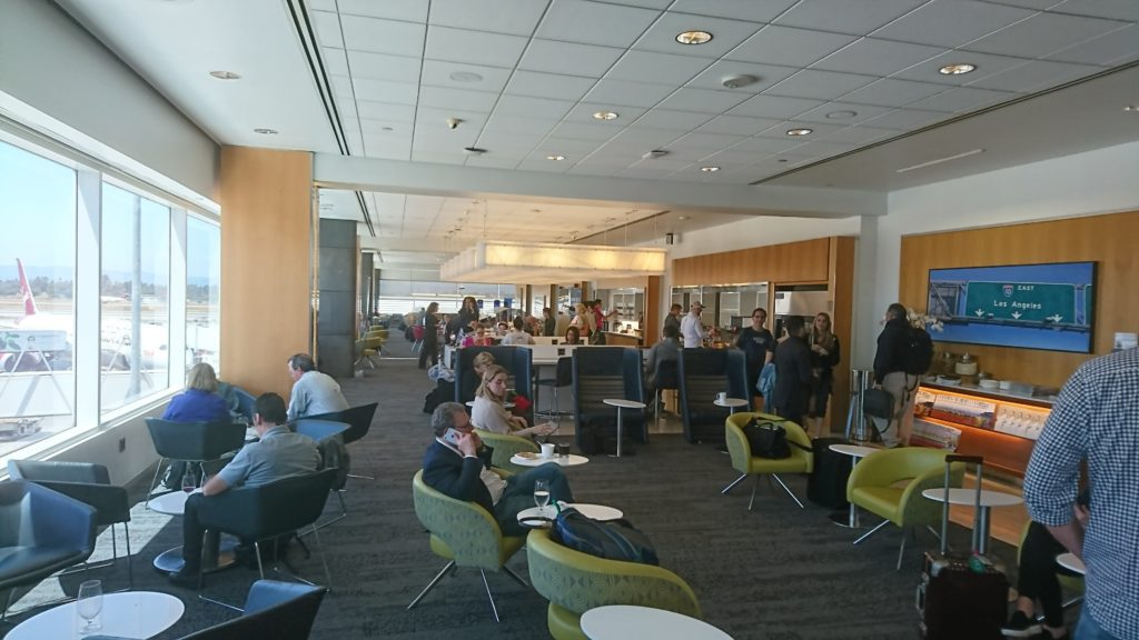 Crowd at DL Sky Club at LAX T2