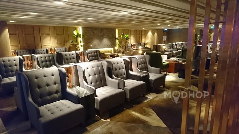 Plaza Premium First at HKG Seating