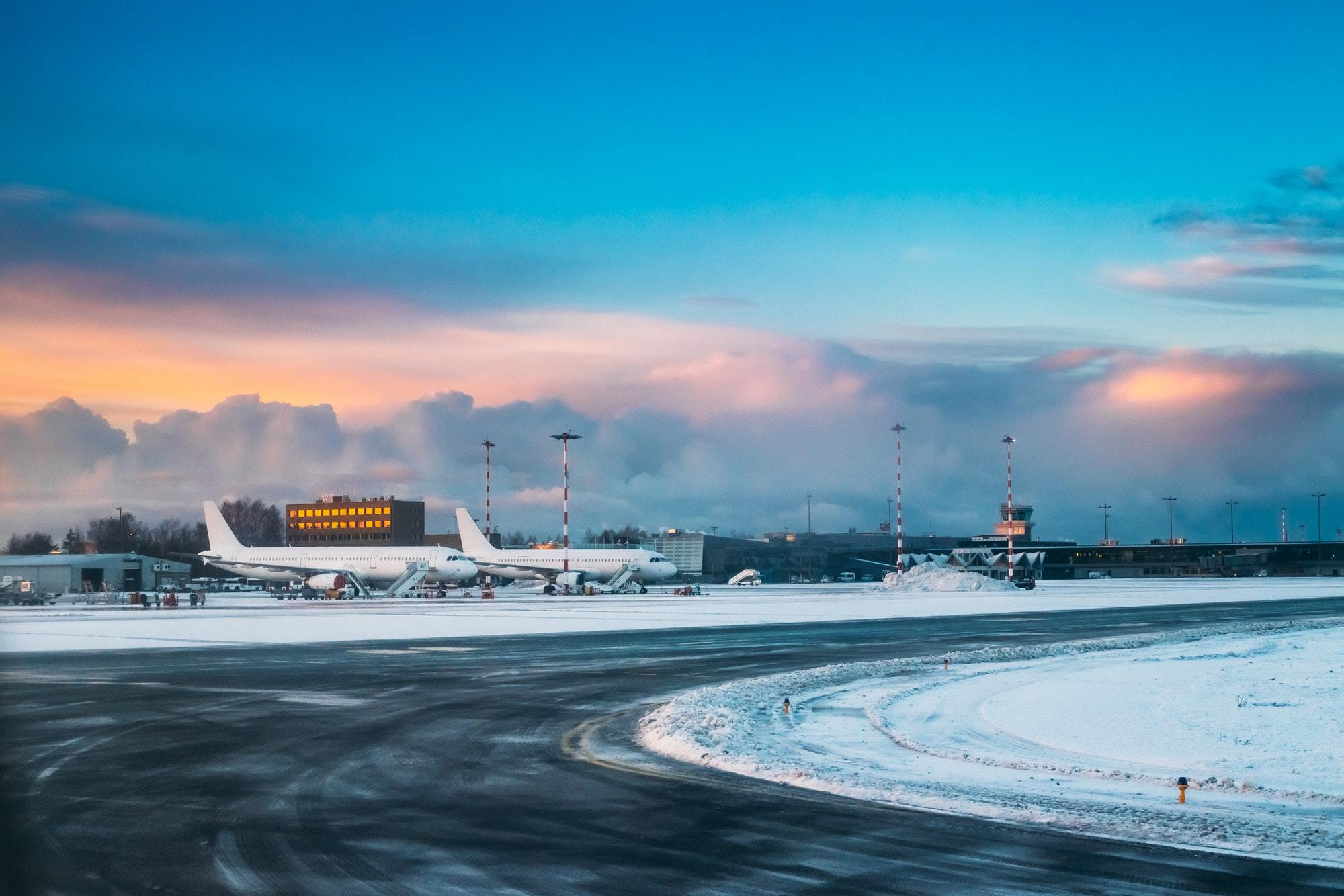 Google-Style Airport Alerts & When to fly in December