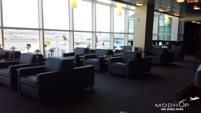 LaGuardia Airport Admirals Club - Seating