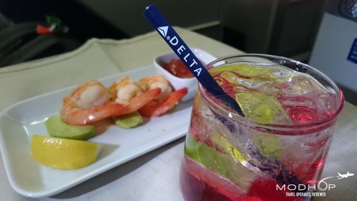 """One"" Business Class Dining aboard a Delta 767300"